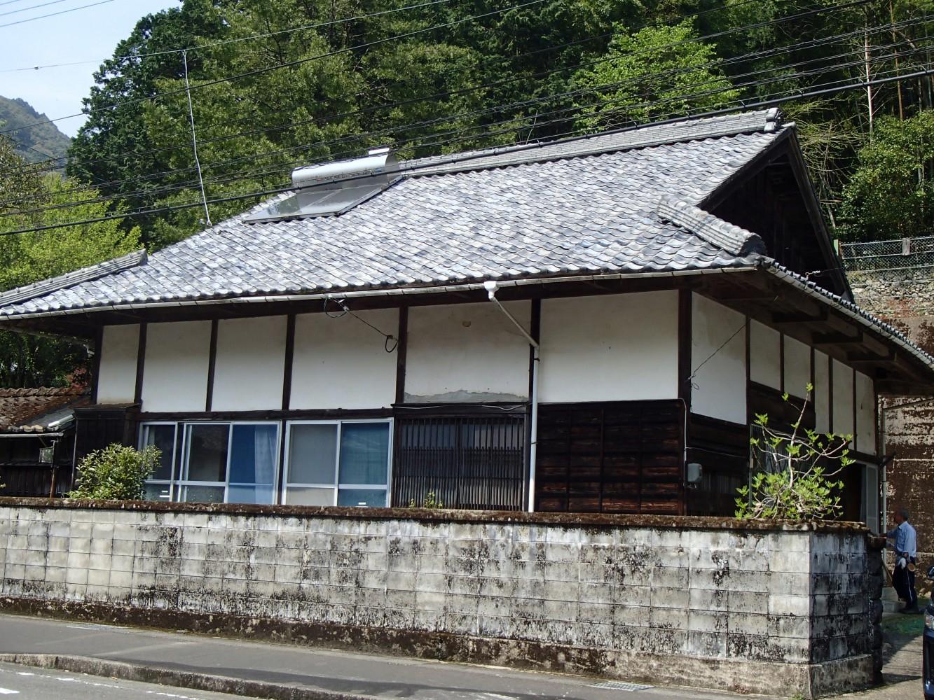 村中心部の古民家